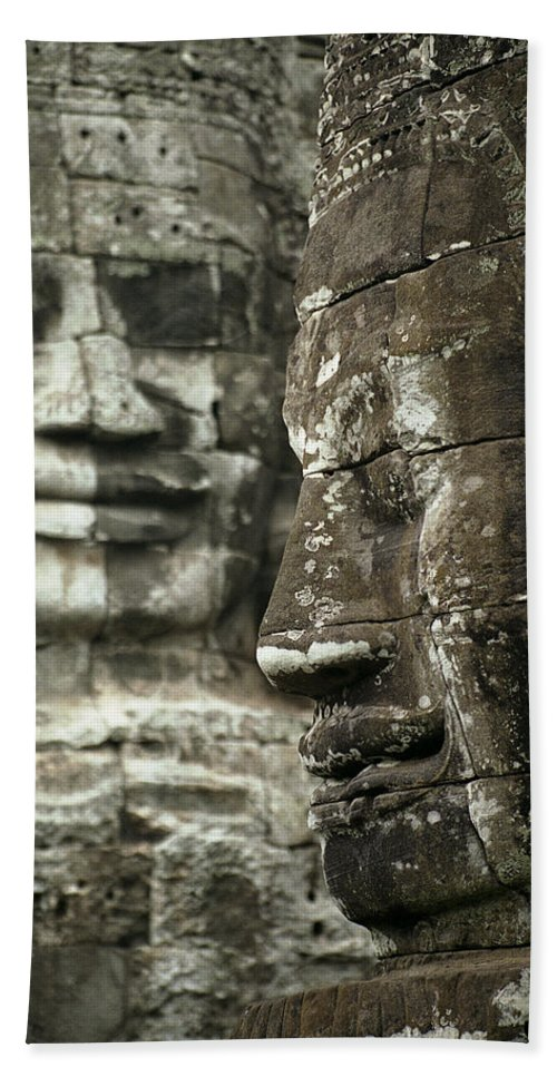 Bayon Hand Towel featuring the photograph Bayonii by Patrick Klauss