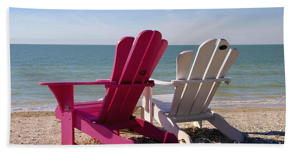 Beach Chairs Bath Sheet featuring the photograph Beach Chairs by David Lee Thompson