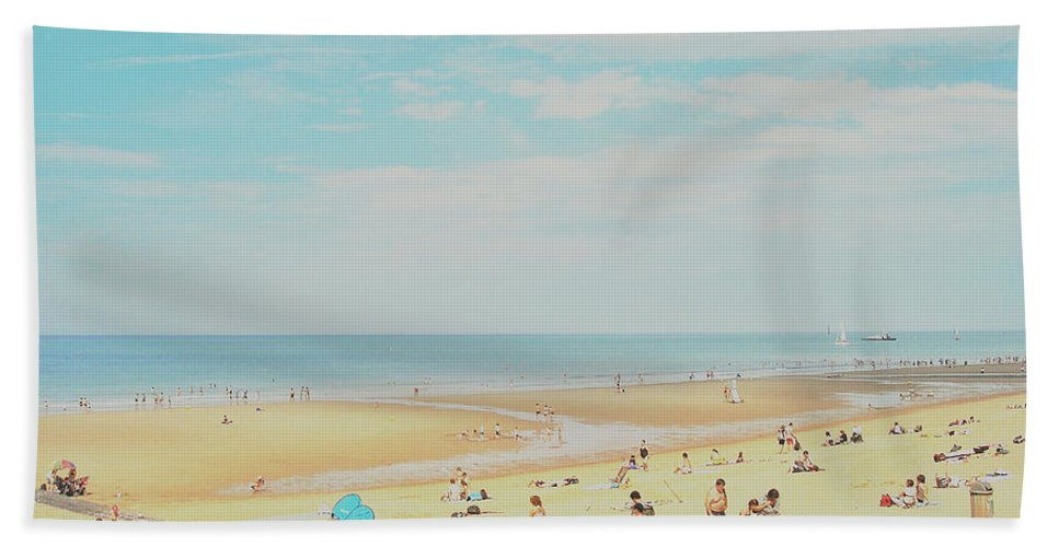 Ostende Hand Towel featuring the photograph Beach Life by Connie Handscomb