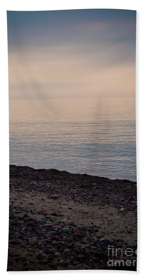 Sunset Bath Sheet featuring the photograph Beach Sunset by Wesley Farnsworth