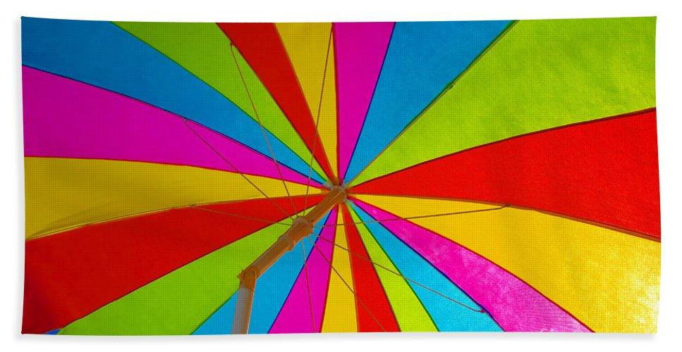 Beach Bath Towel featuring the photograph Beach Umbrella by David Lee Thompson