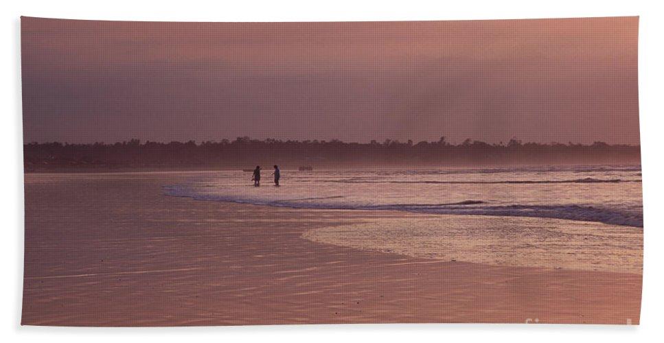 Ecuador Bath Towel featuring the photograph Beachcombers by Kathy McClure