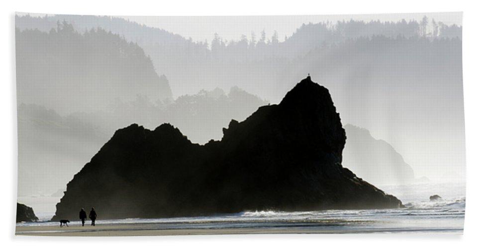 Oregon Bath Sheet featuring the photograph Beachwalk by Bob Christopher
