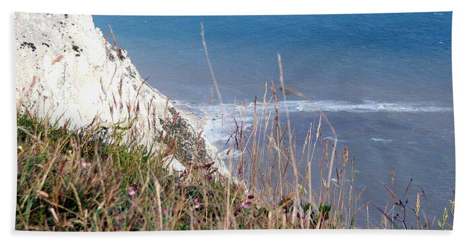 Beachy Head Bath Sheet featuring the photograph Beachy Head Sussex by Heather Lennox
