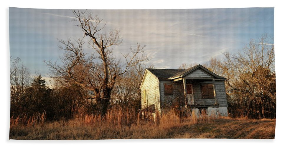 Beat Up Bath Sheet featuring the photograph Beat Up Old House by Tom Nix