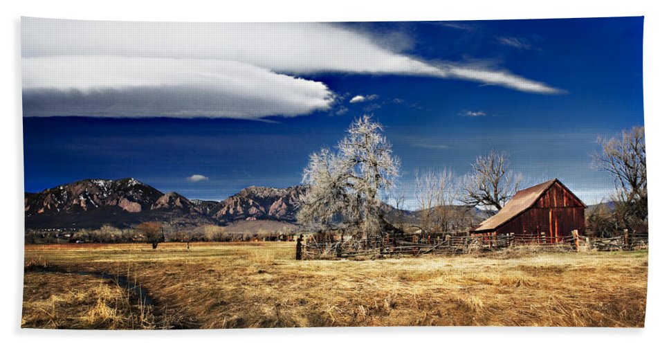 Colorado Hand Towel featuring the photograph Beautiful Colorado by Marilyn Hunt