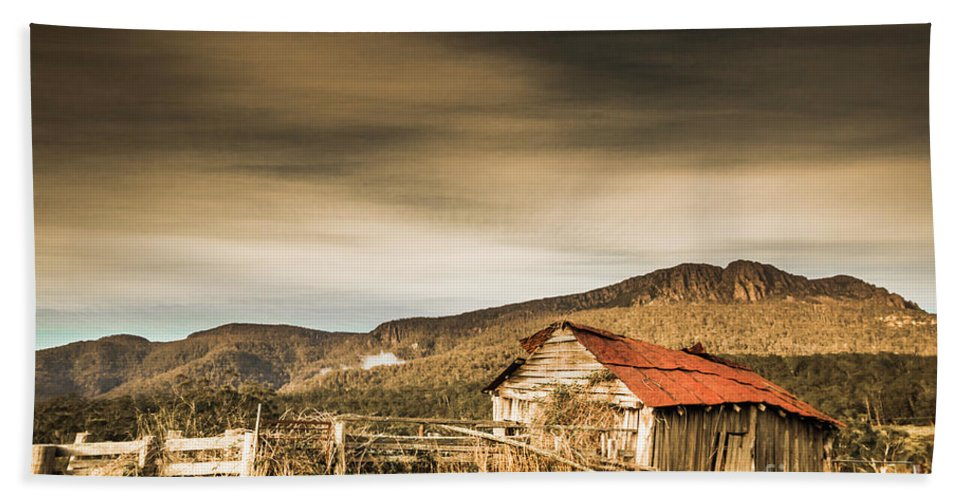 Barn Hand Towel featuring the photograph Beauty In Rural Dilapidation by Jorgo Photography - Wall Art Gallery