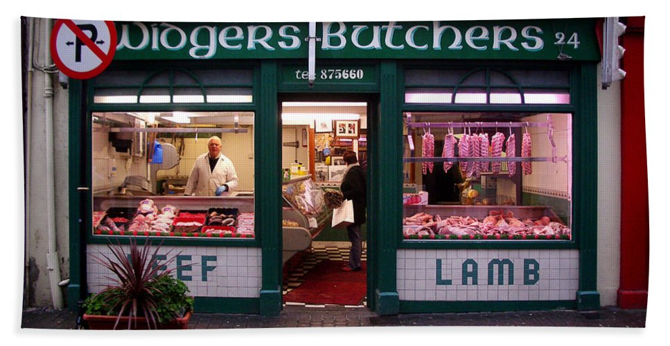 Butcher Bath Towel featuring the photograph Beef Lamb by Tim Nyberg