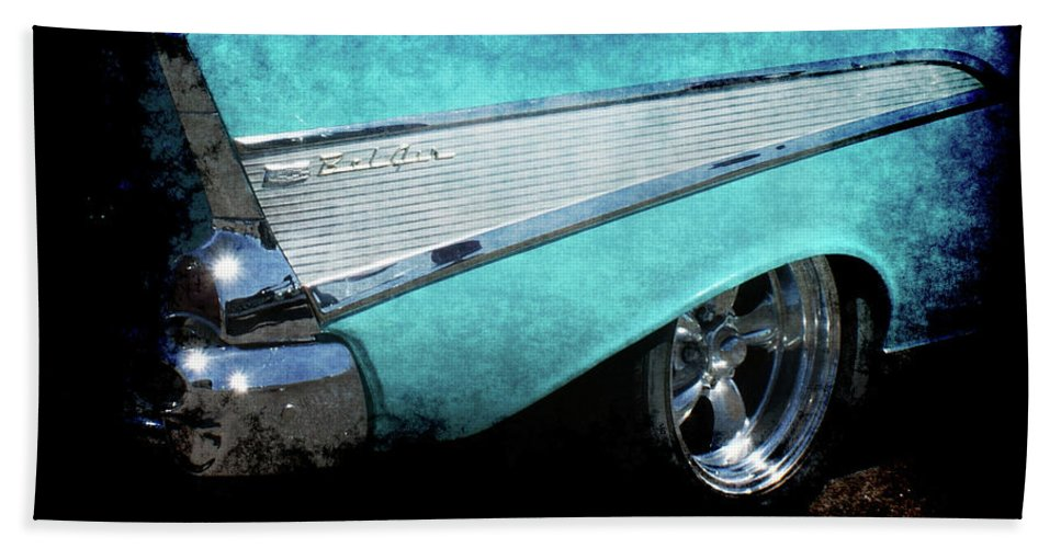 Bel Air Hand Towel featuring the photograph Bel Air by Ernie Echols