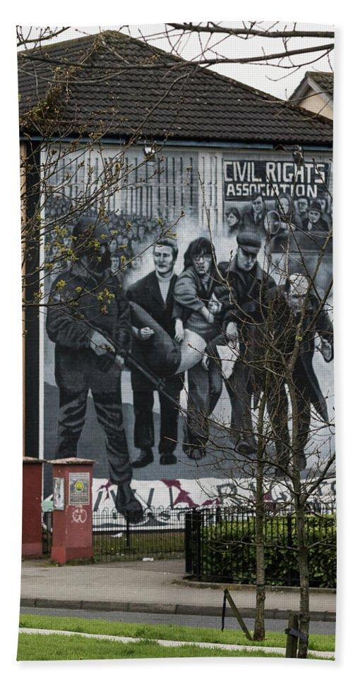 Belfast Hand Towel featuring the photograph Belfast Mural - Civil Rights Association - Ireland by Jon Berghoff