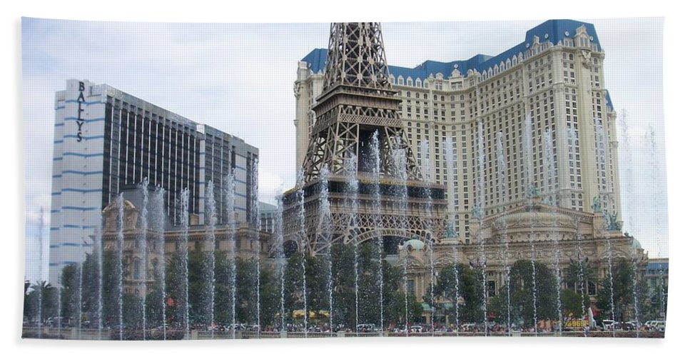 Bellagio Fountain Hand Towel featuring the photograph Bellagio Fountain 1 by Anita Burgermeister