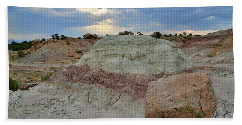 Little Park Road Bentonite Site Bath Sheet featuring the photograph Bentonite Dunes Along Little Park Road by Ray Mathis