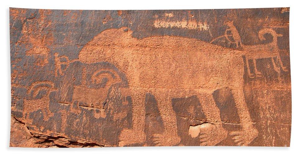 Petroglyph Hand Towel featuring the photograph Big Bear Petroglyph by David Lee Thompson