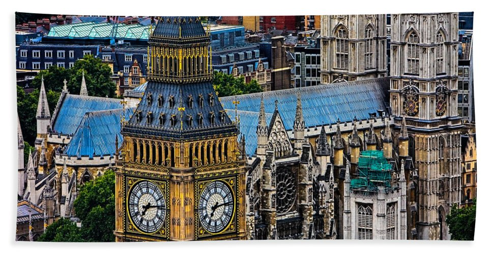 Big Ben Hand Towel featuring the photograph Big Ben And Westminster Abbey by Chris Lord
