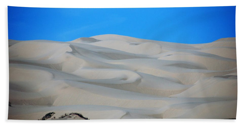 Sand Bath Sheet featuring the photograph Big Sand Dunes In Ca by Susanne Van Hulst