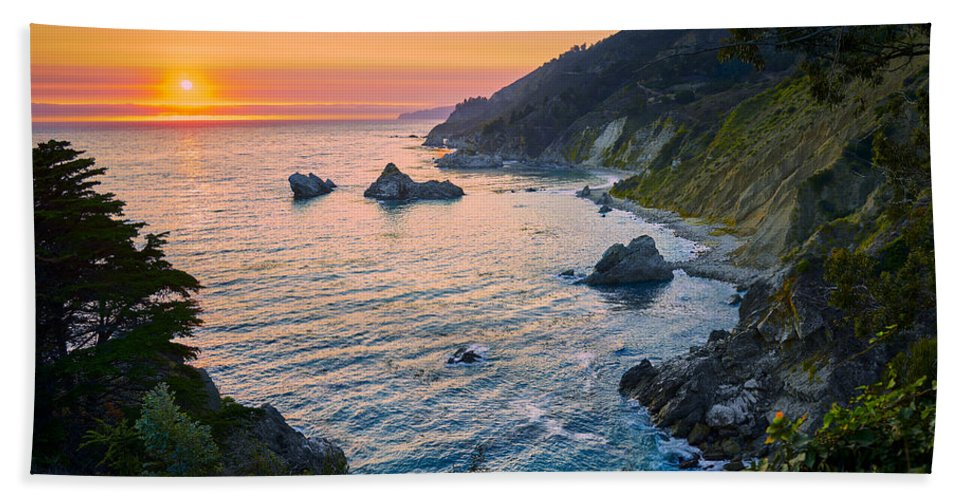 Big Sur Hand Towel featuring the photograph Big Sur Evening by Jens Peermann