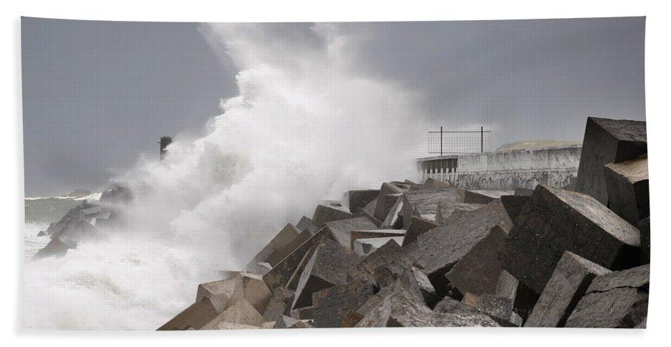 Spain Hand Towel featuring the photograph Big Waves IIi by Rafa Rivas
