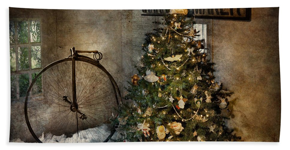 Hdr Bath Sheet featuring the photograph Bike - I Wanna Bike For Christmas by Mike Savad