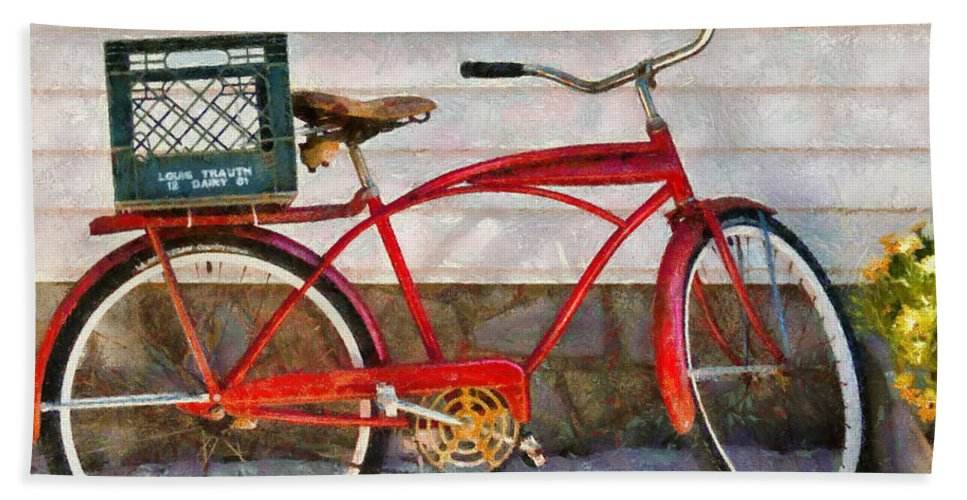 Suburbanscenes Bath Sheet featuring the photograph Bike - Delivery Bike by Mike Savad