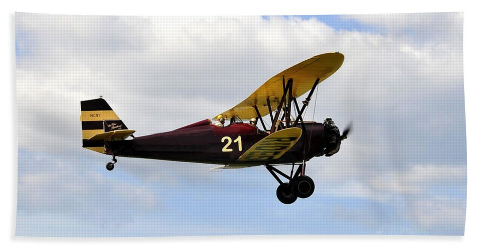 Biplane Hand Towel featuring the photograph Biplane by David Lee Thompson