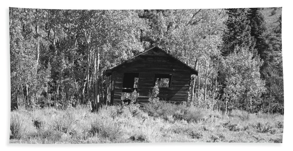 Black Hand Towel featuring the photograph Black And White Cabin by Pat Turner