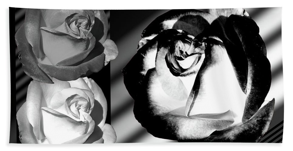 Roses Bath Towel featuring the photograph Black And White Roses by Phyllis Denton