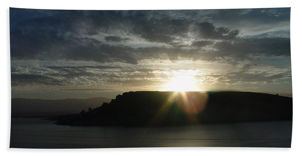 Black Butte Lake Hand Towel featuring the photograph Black Butte Sunrise by Peter Piatt