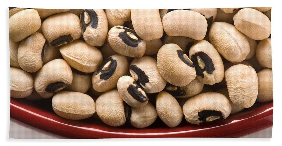 Beans Hand Towel featuring the photograph Black Eyed Peas by Steve Gadomski
