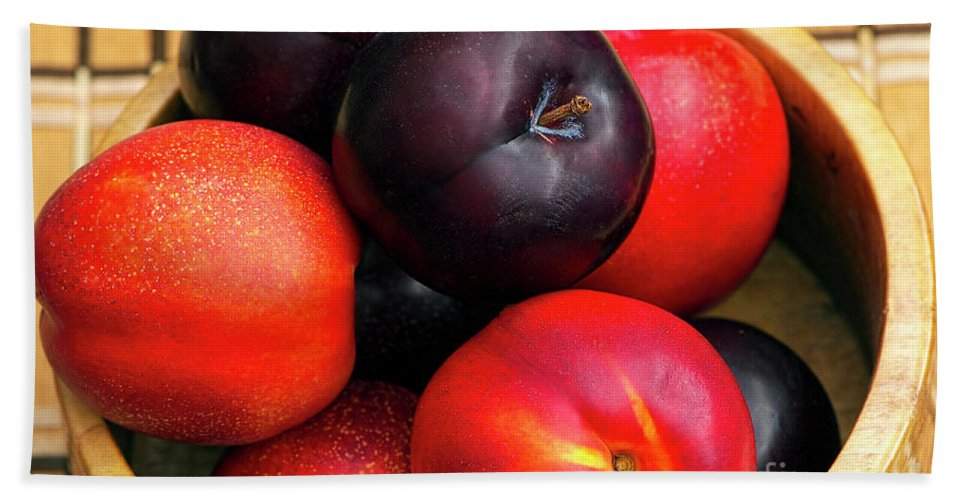 Plums And Nectarines Bath Sheet featuring the photograph Black Plums And Nectarines In A Wooden Bowl by Sharon Talson