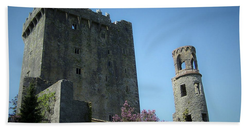 Irish Bath Towel featuring the photograph Blarney Castle And Tower County Cork Ireland by Teresa Mucha