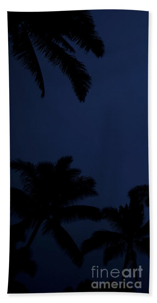 Palm Trees Hand Towel featuring the photograph Blood Moon In Hawaii - Triptych  Part 1of 3 by Sean Davey