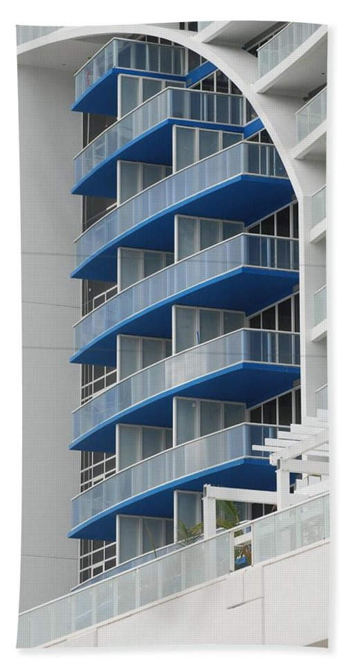 Architecture Bath Towel featuring the photograph Blue Bayu by Rob Hans