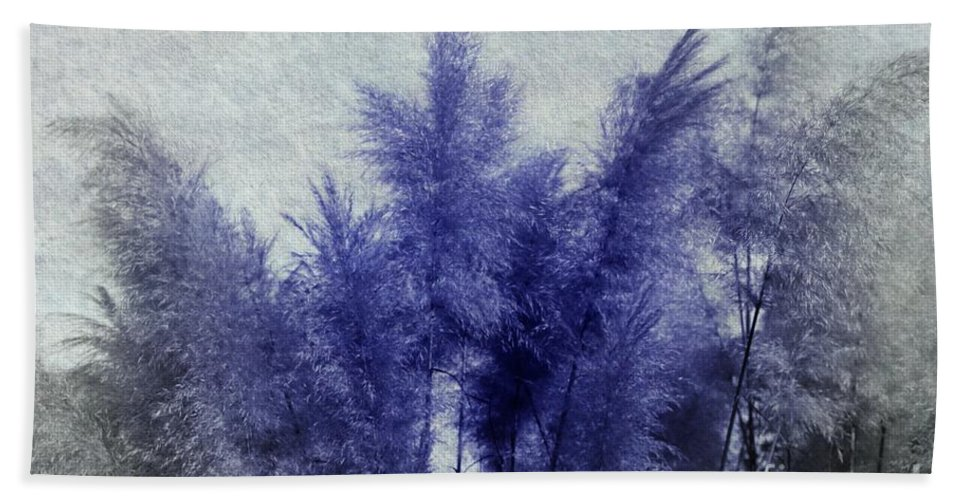 3d Hand Towel featuring the digital art Blue Grass by Issabild -