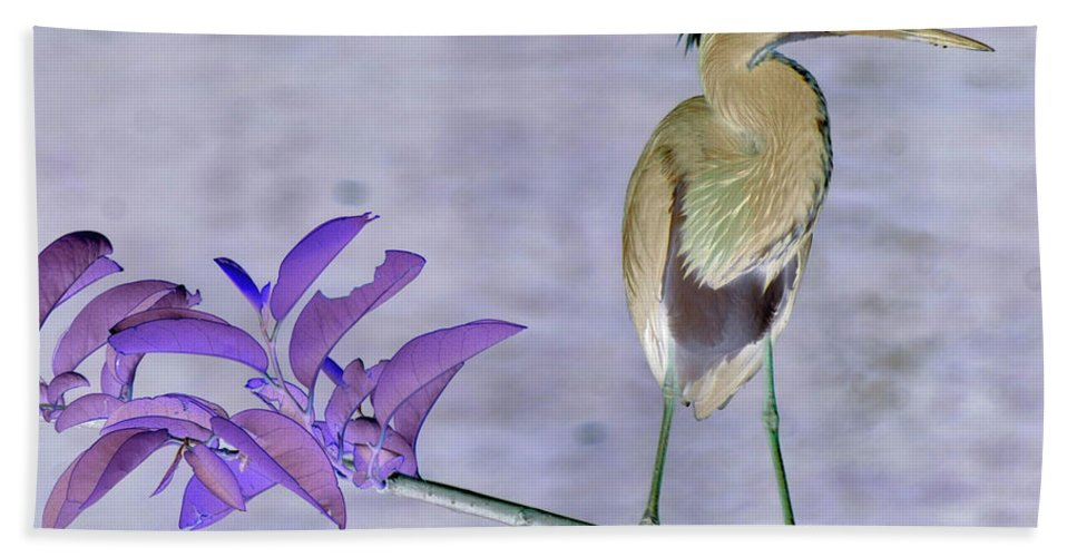 Landscape Hand Towel featuring the photograph Blue Heron Colorized by Stan Roban