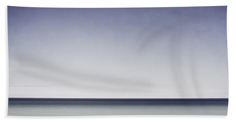 Horizon Hand Towel featuring the photograph Blue Horizon by Scott Norris