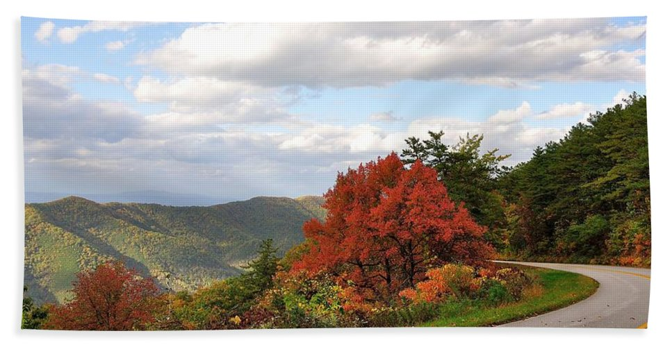 Blue Ridge Parkway Hand Towel featuring the photograph Blue Ridge Parkway, Buena Vista Virginia 5 by Todd Hostetter