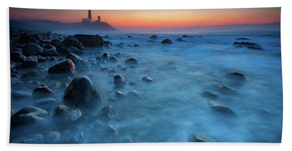 Montauk Bath Sheet featuring the photograph Blue Tide by Rick Berk