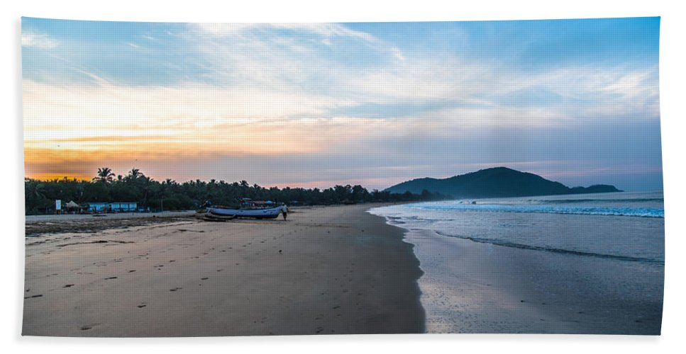 Beautiful Hand Towel featuring the photograph Blued Beauty by Anupam Gupta