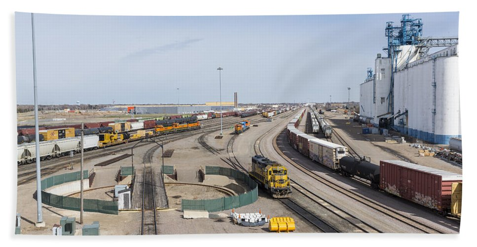 Train Hand Towel featuring the photograph Bnsf Northtown Yard 4 by John Brueske