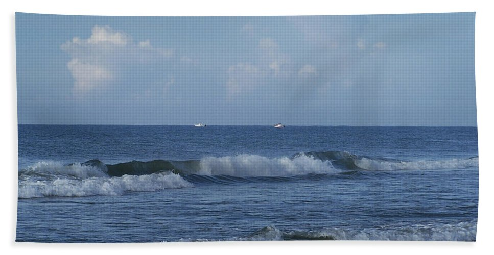 Ocean Bath Towel featuring the photograph Boats On The Horizon by Teresa Mucha