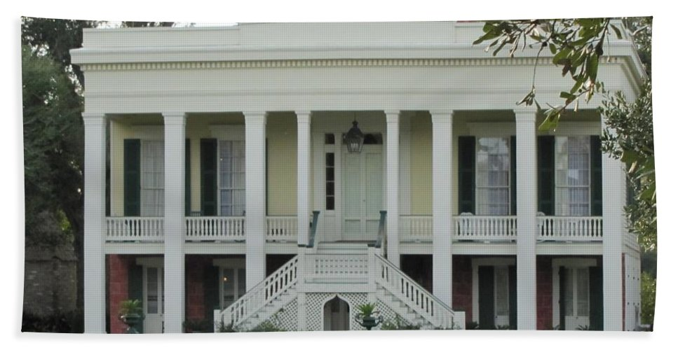 Plantation Homes Bath Sheet featuring the photograph Bocage Plantation by Michelle Powell