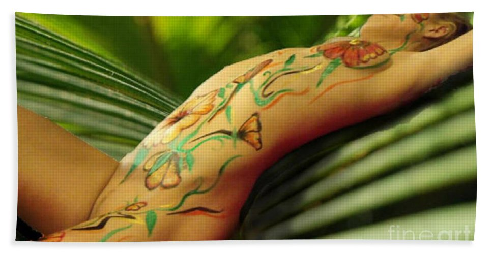 Floral Bath Sheet featuring the painting Bodyart 5 by Thomas Oliver