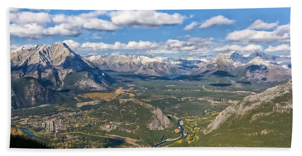 Banff Hand Towel featuring the photograph Bow River Beauty by Philip Kuntz