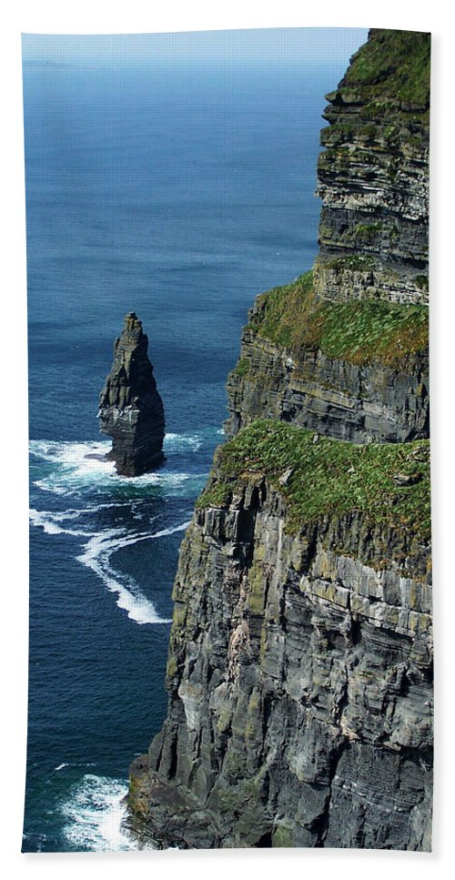 Irish Hand Towel featuring the photograph Brananmore Cliffs Of Moher Ireland by Teresa Mucha