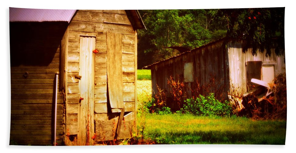 Outbuildings Deterioating In A Farm In Northwestern Ohio. It Breaks My Heart To See This Happening. Bath Sheet featuring the photograph Breaking My Heart by Paulette B Wright