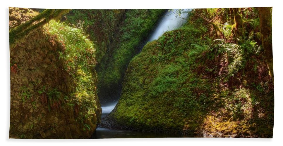 Falls Hand Towel featuring the photograph Bridal Veil Falls by John Absher