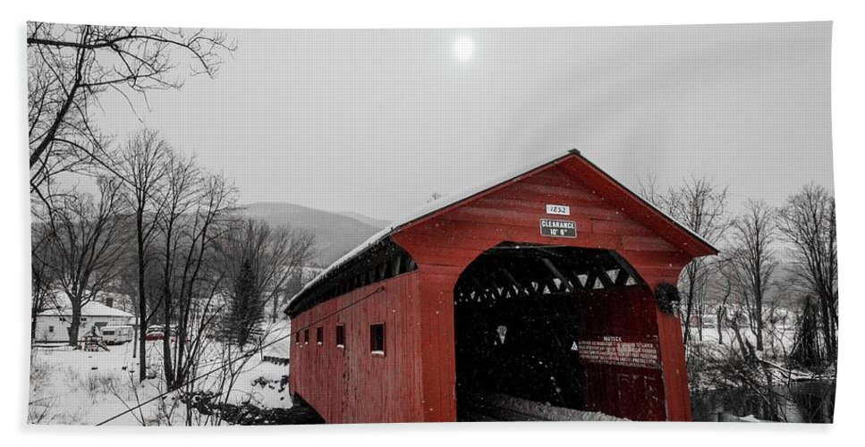 Covered Bridge Bath Towel featuring the photograph Bridge On The Green, Arlington Vermont by Bob Cuthbert