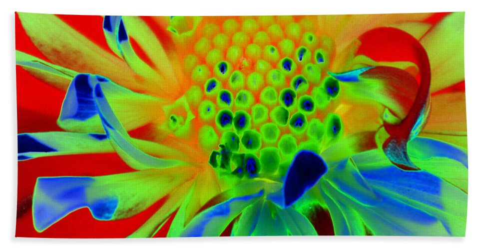 Diane Berry Bath Towel featuring the painting Bright Flower by Diane E Berry