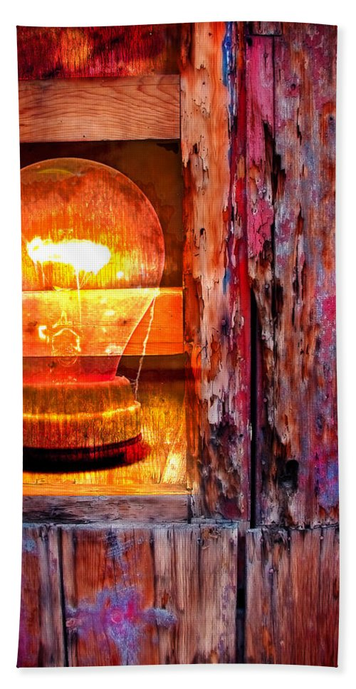 Skip Bath Towel featuring the photograph Bright Idea by Skip Hunt