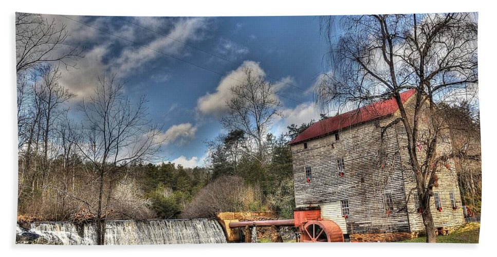 Brightwell's Mill Hand Towel featuring the photograph Brightwell's Mill 1 by Todd Hostetter